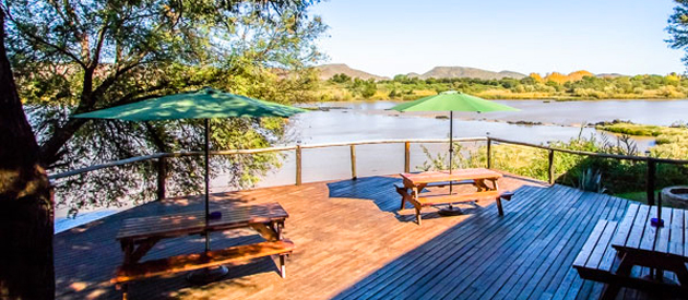 WASCHBANK RIVER LODGE, GARIEP DAM